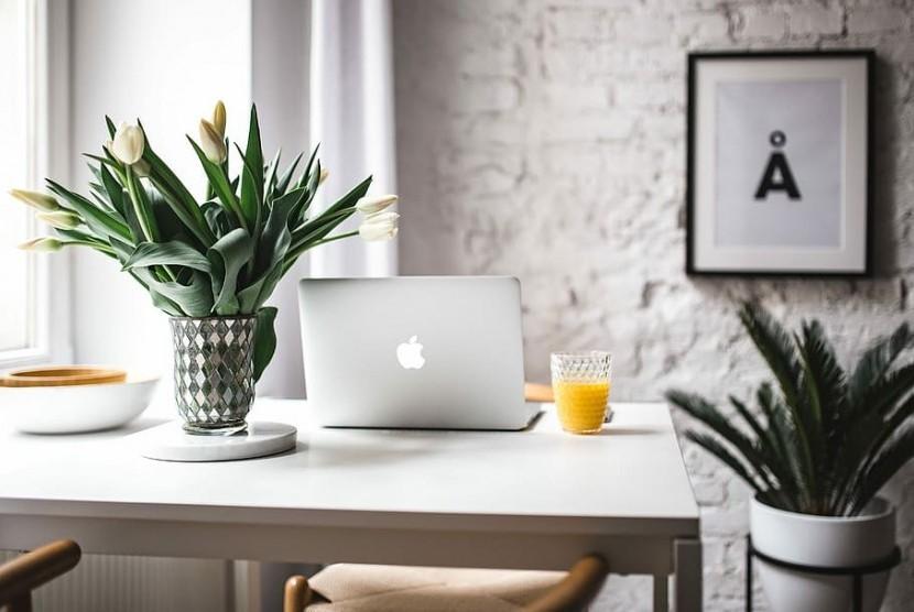 Model Meja Kerja Menggunakan Virtual Office