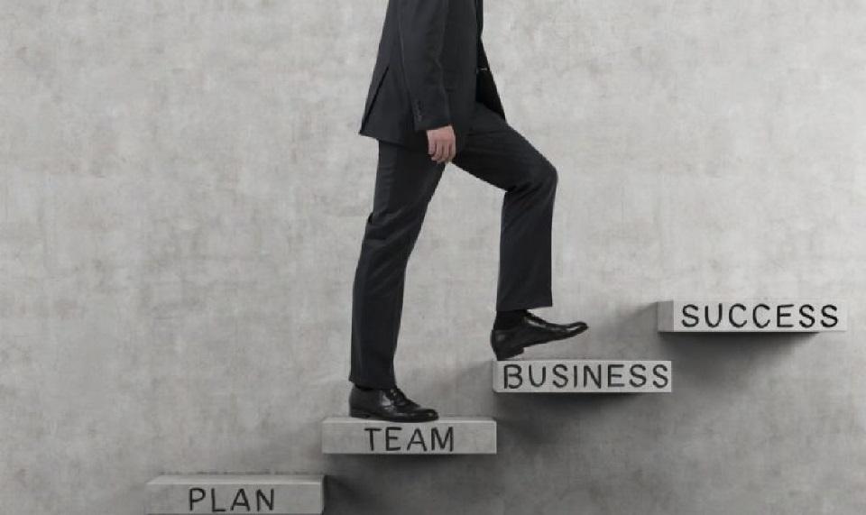 Karyawan Yang Sukses Karyawan Tetap