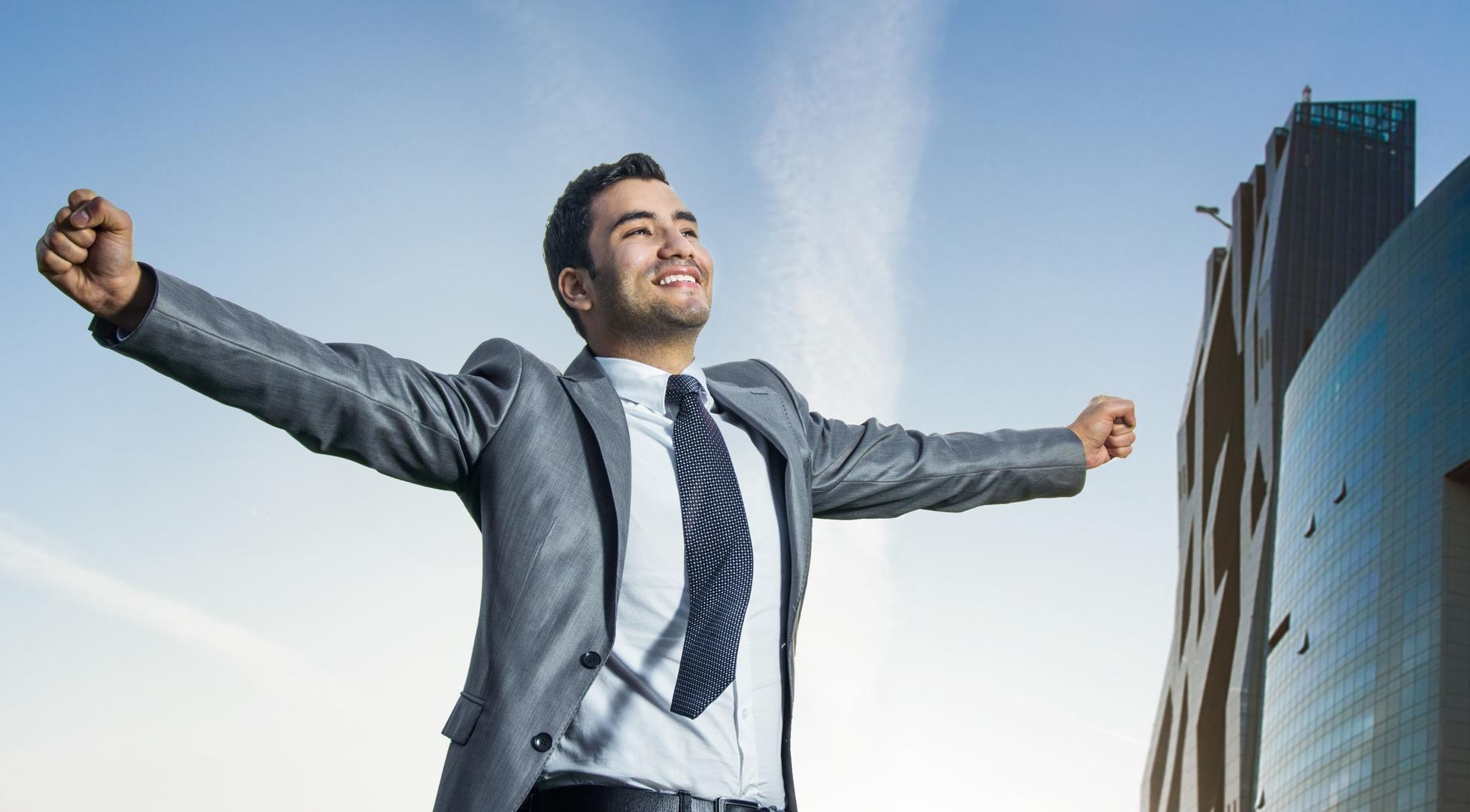 Karyawan Yang Sukses Meraih Kesuksesan Berusia 20 Tahunan Naik Jabatan
